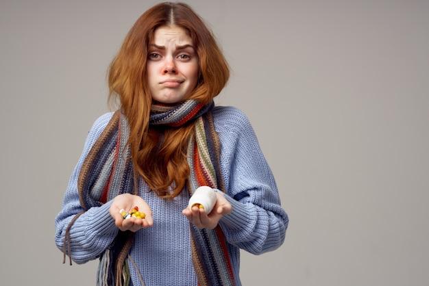 Vrouw gezondheidsproblemen temperatuur geïsoleerde achtergrond