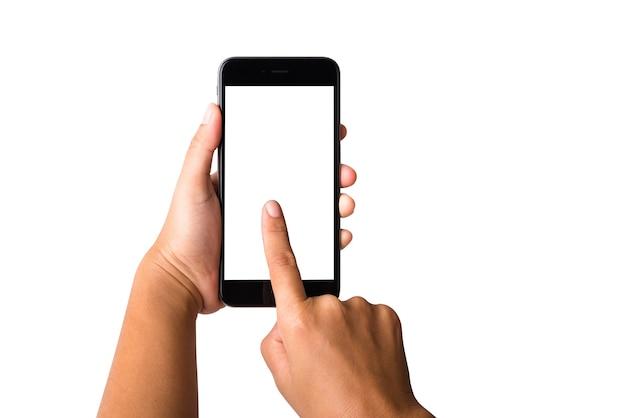 Vrouw hand met mockup smartphone leeg wit scherm. vrouwelijke aanraking naar scherm op moderne mobiele telefoon
