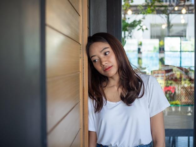 Vrouw heeft stress en teleurstelling