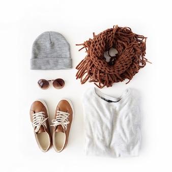 Vrouw herfst en winterkleren collage op wit