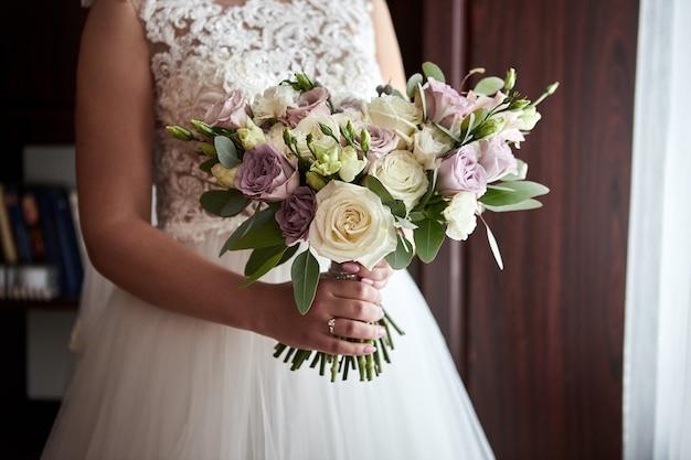 Vrouw klaar voor de huwelijksceremonie