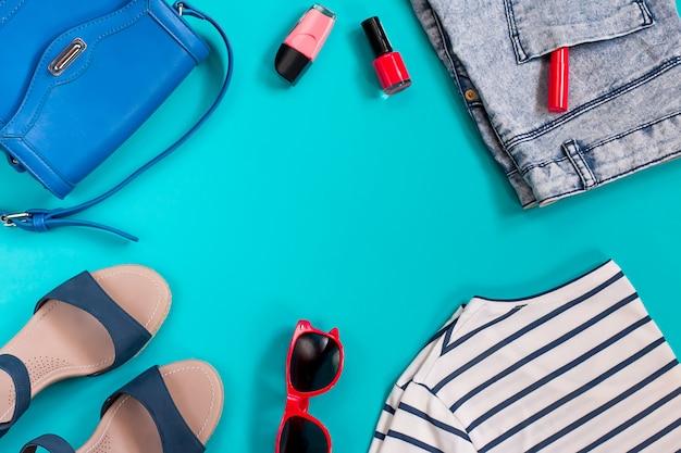 Vrouw kleding collectie, zee thema, overhead