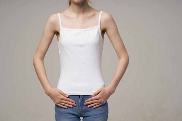 Vrouw liespijn intieme ziekte gynaecologie studio behandeling