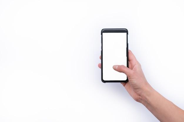 Vrouw met behulp van mobiele slimme telefoon geïsoleerd op een witte achtergrond.