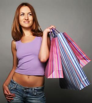 Vrouw met boodschappentassen