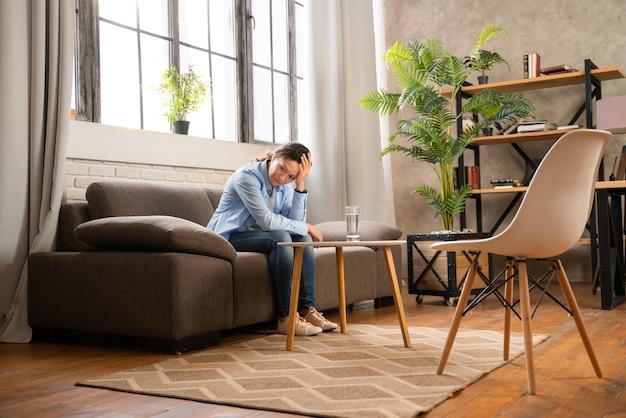 Vrouw met depressie en relatieproblemen