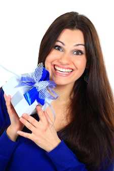Vrouw met een cadeau