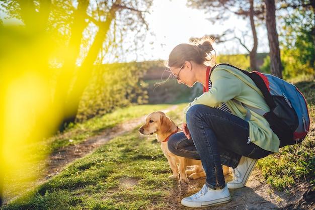 Vrouw met een hond
