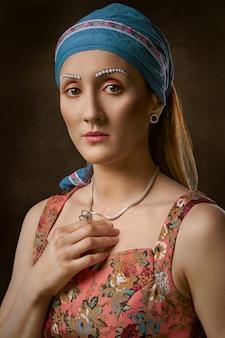 Vrouw met hoofdband
