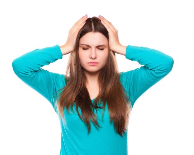 Vrouw met hoofdpijn, migraine, stress, slapeloosheid, kater