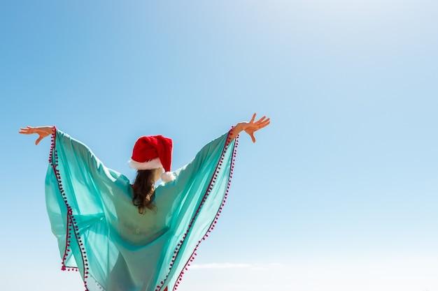 Vrouw met kerstmuts