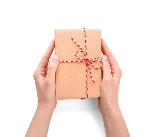 Vrouw met pakket geschenkdoos, bovenaanzicht