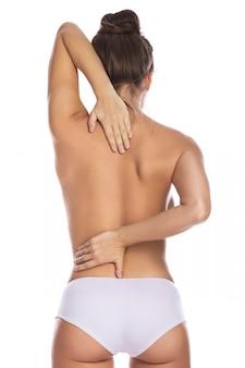 Vrouw met pijn in haar rug