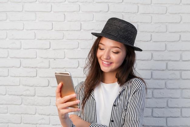 Vrouw met smartphone