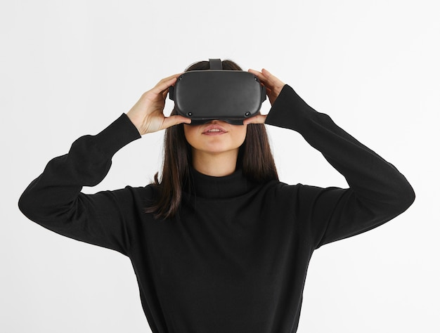 Vrouw met virtual reality headset