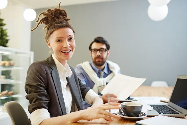 Vrouw op het werk
