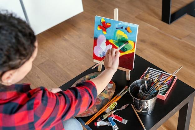 Vrouw schilderij close-up