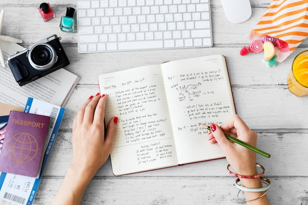 Vrouw schrijven dagboek