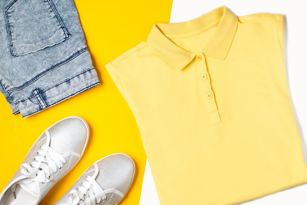 Vrouw sportkleding mode. zomerkleding collectie