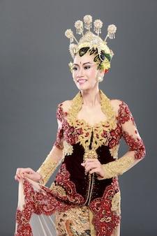 Vrouw traditionele trouwjurk van java