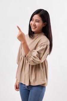 Vrouw wijzende hand, aziatisch model
