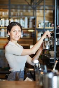 Vrouwelijke barista