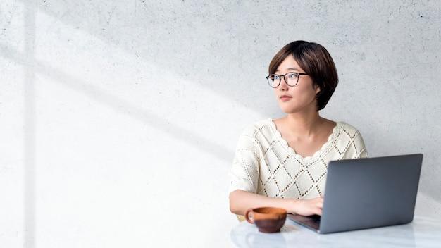 Vrouwelijke blogger