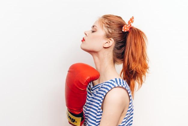 Vrouwelijke bokser bokshandschoenen