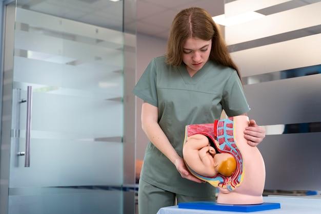 Vrouwelijke student geneeskunde