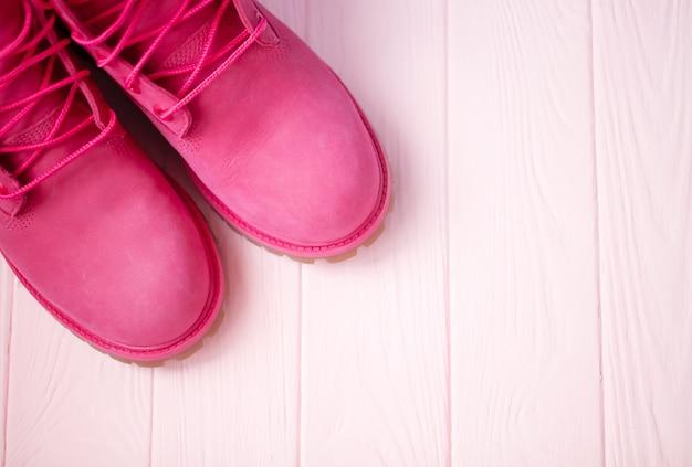 Vrouwelijke winterlaarzen roze kleur