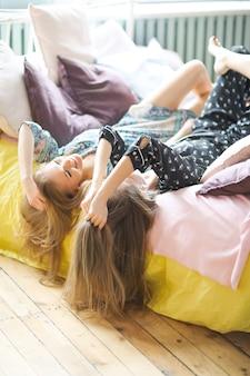 Vrouwen in bed
