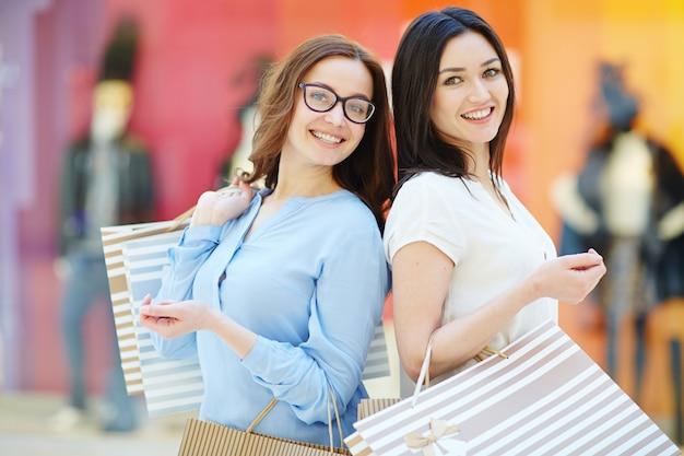 Vrouwen in grote verkoop