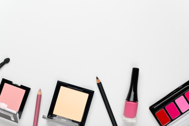 Vrouwen make-up cosmetica elegante achtergrond met plaats voor tekst.