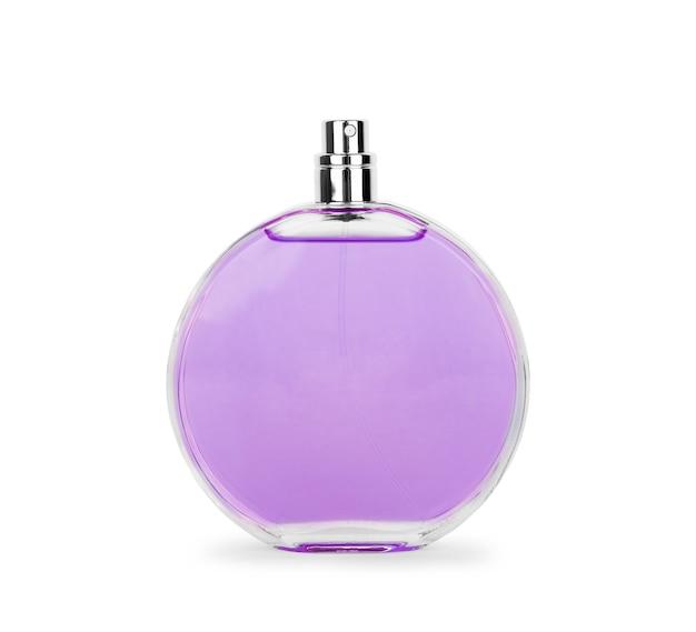 Vrouwenparfum in mooie fles die op witte achtergrond wordt geïsoleerd