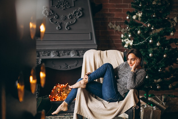 Vrouwenzitting als voorzitter door kerstboom