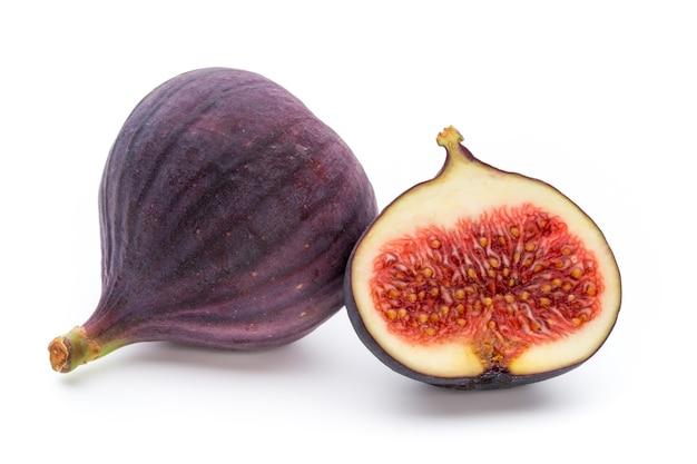 Vruchten vijgen geïsoleerd op knutselen met achtergrond.
