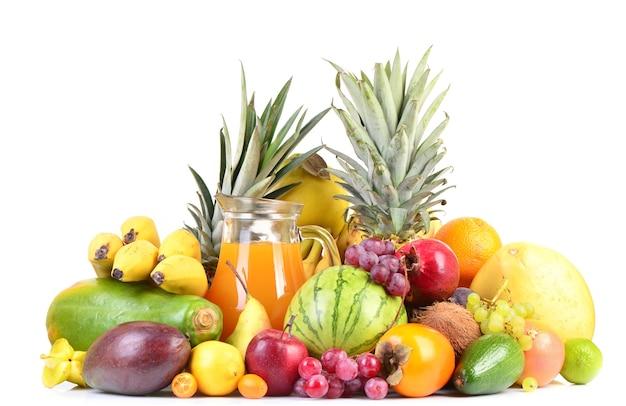 Vruchtensap en tropisch fruit