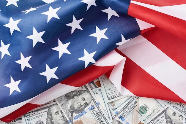 Vs nationale vlag en valuta usd geld bankbiljetten. zakelijke en financiële concept