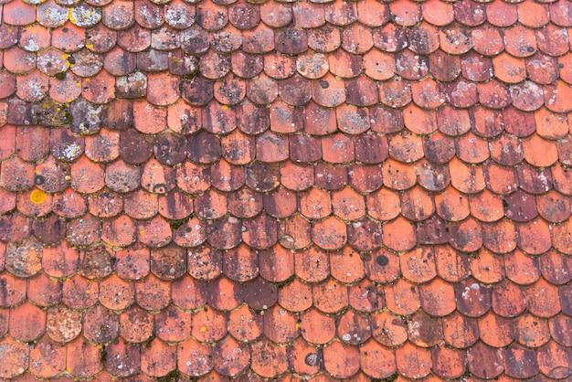 Vuile rode van het dakpatroon textuur als achtergrond