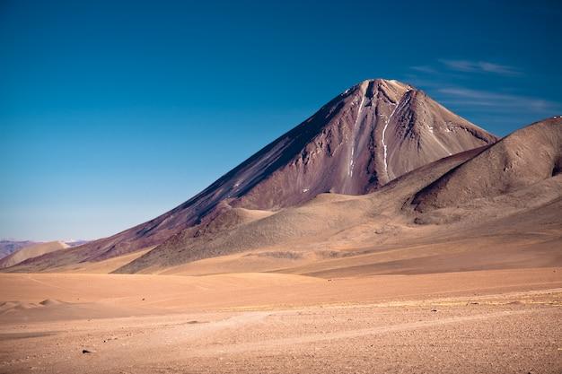 Vulkanen licancabur en juriques, chili en bolivia