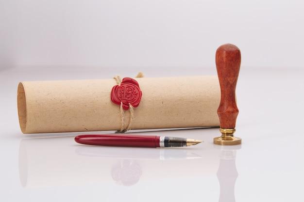 Vulpen en oude notariële lakzegel erop