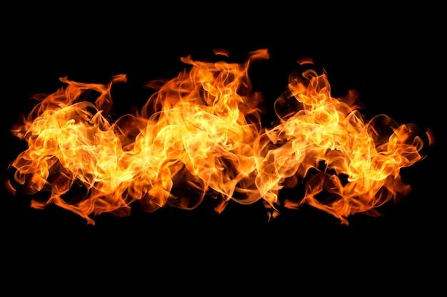 Vuur vlammen op zwarte achtergrond / warmte abstracte achtergrond
