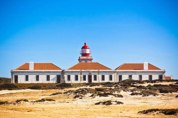 Vuurtoren van cabo sardao, portugal - farol do cabo sardao (gebouwd in 1915)