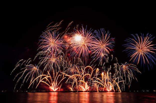 Vuurwerkfestival in thailand