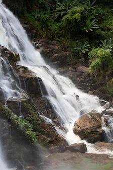 Wachirathan prachtige waterval