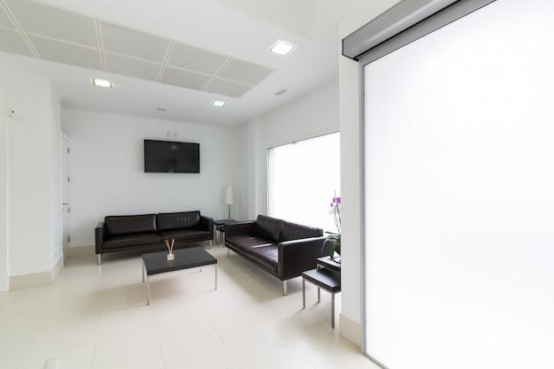 Wachtkamer in moderne tandheelkundige kliniek