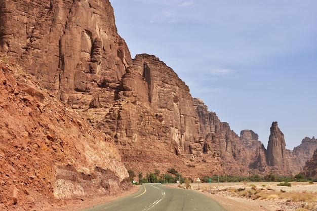 Wadi disah in de al shaq-kloof in saoedi-arabië