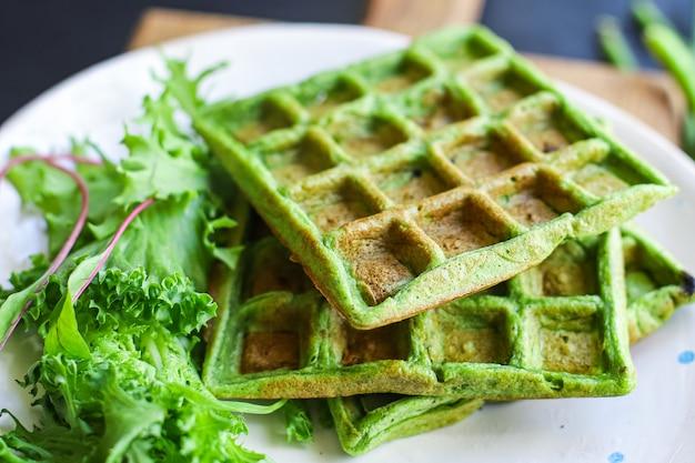 Wafels groene spinazie, sperziebonen, groenten