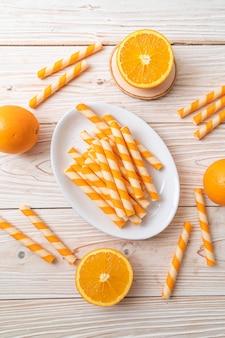 Wafels roll met oranje crème