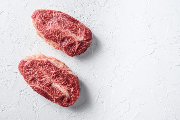 Wagyu van australië wagyu hoogste bladlapje vlees op witte achtergrond hoogste meningsruimte voor tekst